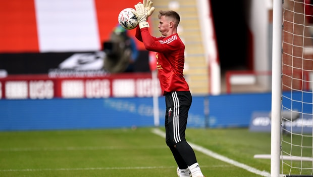 Dean Henderson extends loan deal at Sheffield United